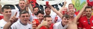 Em clima de pub, ingleses se aglomeram na Fan Fest em SP (Eduardo Carvalho/G1)