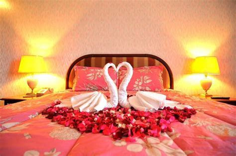 40  Awesome Wedding Night Room Decoration Ideas ? OOSILE