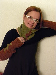 greta sleeves and cowl 019