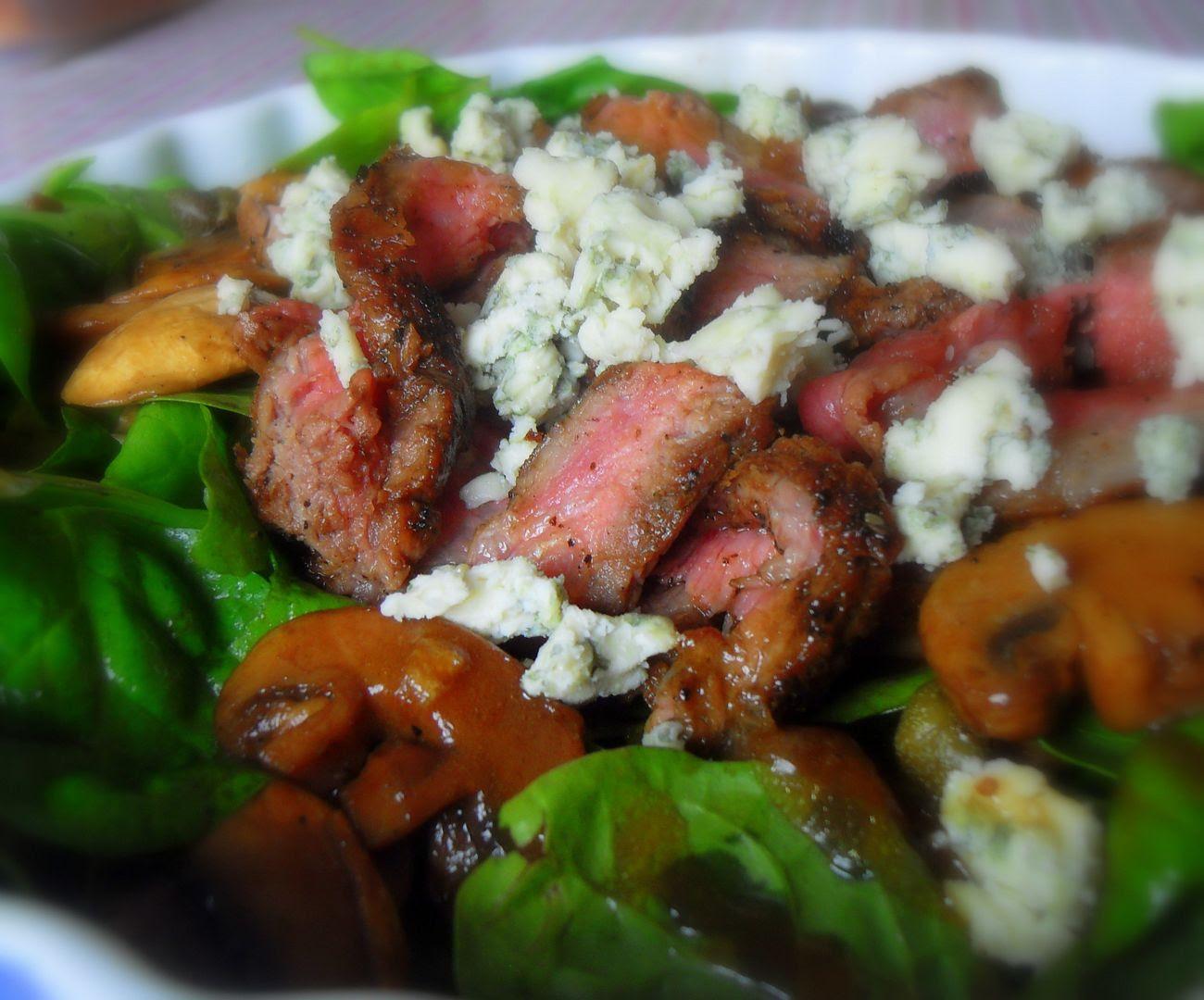 Steak, Mushroom, and Blue Cheese Salad