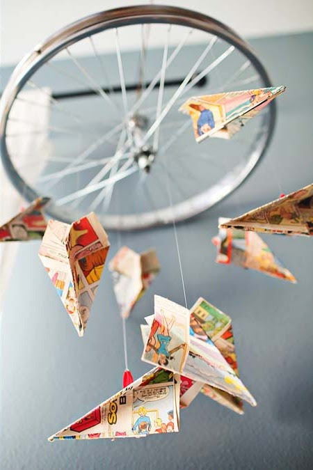 avião de papel móvel