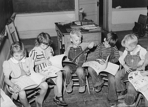 File:Children reading 1940.jpg