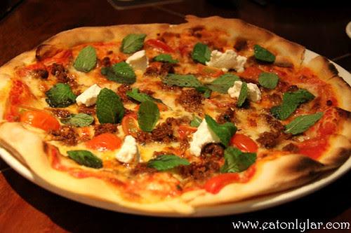 Pizza D'Agnello, La Risata