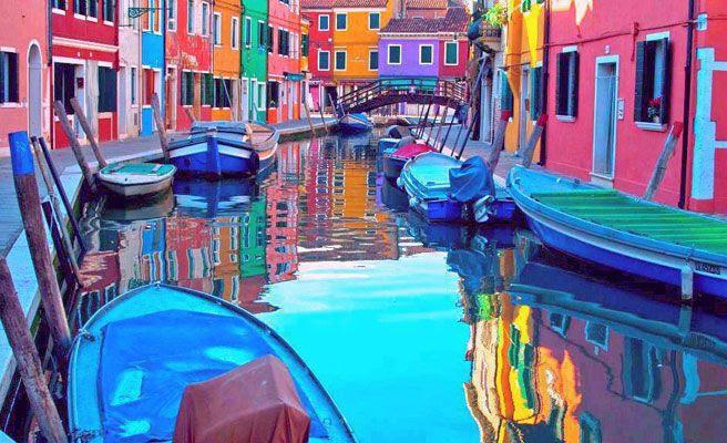 Los 30 edificios y casas de colores más bellos del planeta