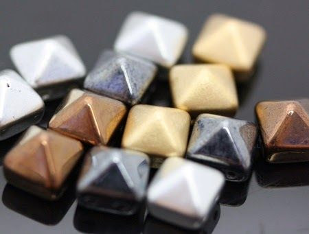 "Beading the ""Bead World"" Way: Two Hole Pyramid Beads"