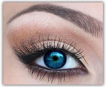 Best makeup tips for blue eyes
