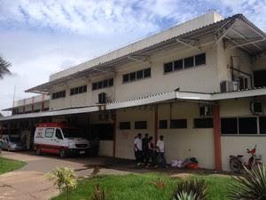 Vítima está internada no Hospital de Emergências em Macapá (Foto: Abinoan Santiago/G1)
