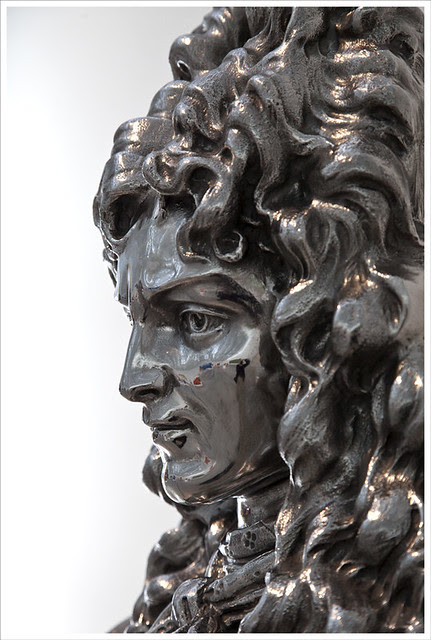Jeff Koons' Louis XIV