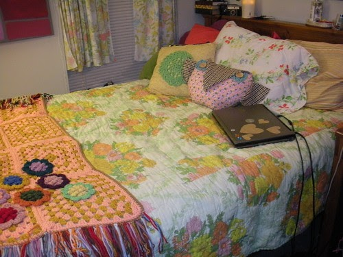 Bed Spread Twin Size College