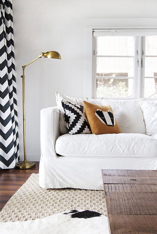 cabin-livingroom-corner