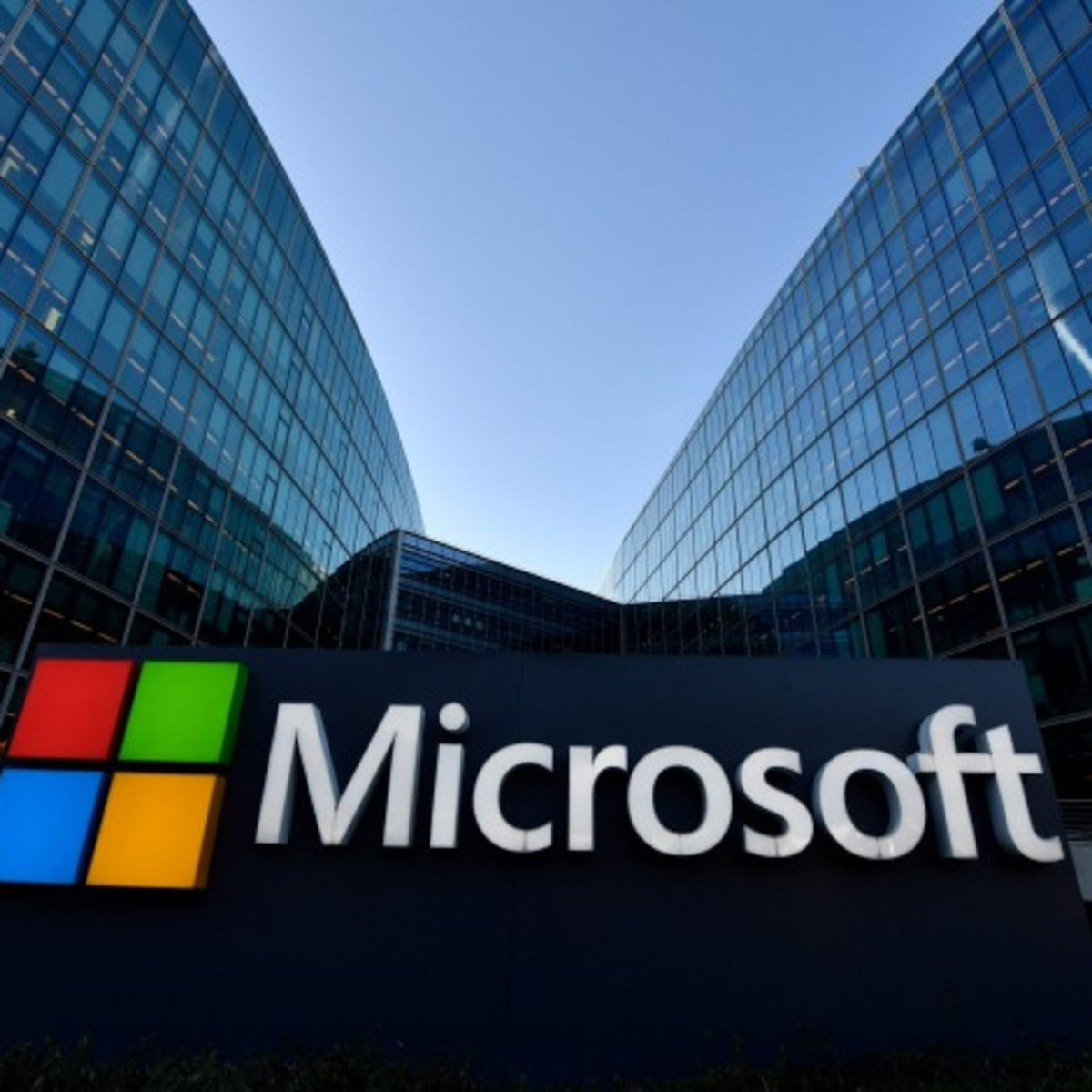 Microsoft Stock Jumps On Dividend Boost, $60 Billion Share Buyback Plans