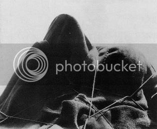 Man Ray, O Enigma de Isidore Ducasse, 1920