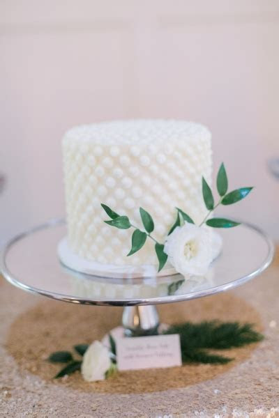 Wedding Cakes ? Buttercream ? Frost It Cupcakery