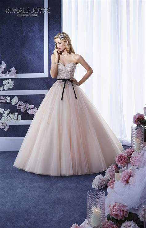 RONALD JOYCE INTERNATIONAL   Wedding dresses and bridal
