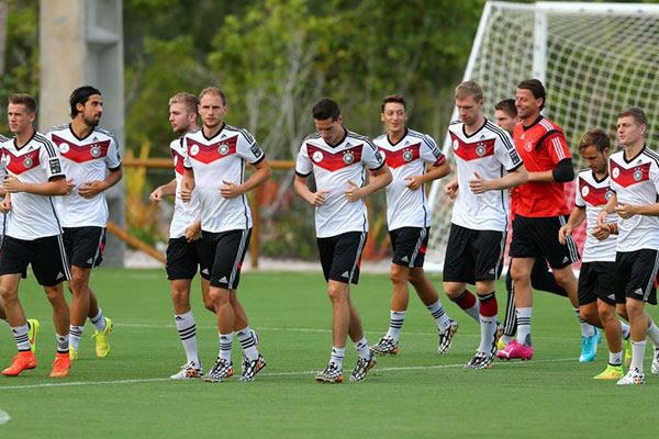 A Alemanha é uma seleção composta por jogadores aplicados nas suas funções táticas, mas que também possuem grandes qualidades técnicas individuais
