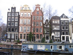 varied scale canalhouses