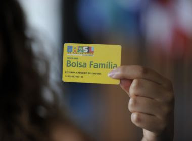 Governo pensa em mudar nome do programa Bolsa Família para Bolsa Dignidade