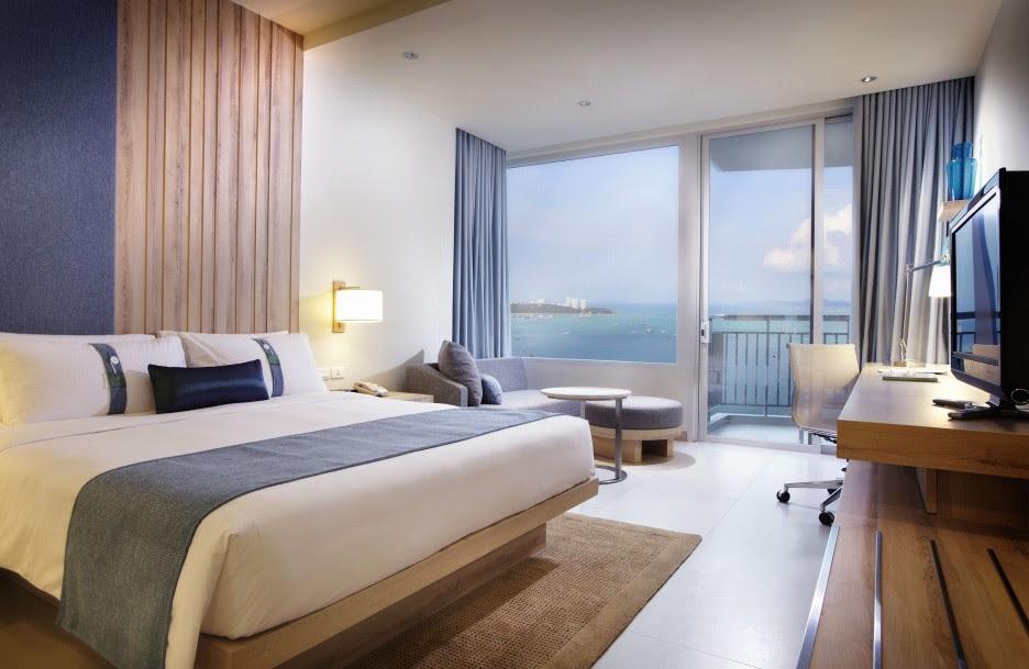 Luxurious-Bedroom-Design- ...