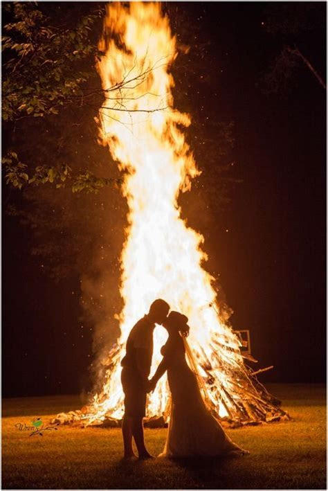 25  best Wedding bonfire ideas on Pinterest   Sparkler