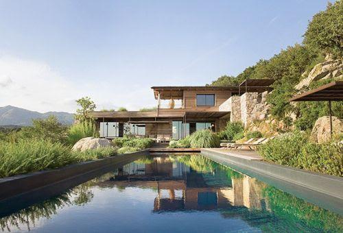 La casa de la colina del fotógrafo Jacques en Córcega