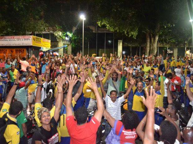 Funcionários dos Correios decretam greve após assembleia (Foto: Divulgação/Sincotelba)