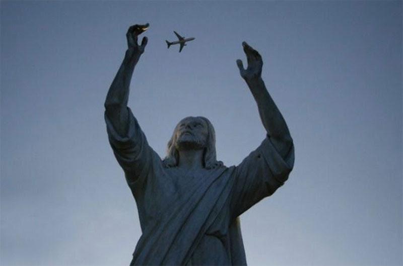 άγαλμα αεροπλάνο juggling τέλειο συγχρονισμό