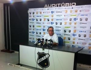 Josué Teixeira - técnico do ABC (Foto: Augusto Gomes/GloboEsporte.com)