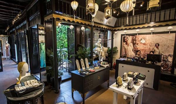 den long trang tri shop thoi trang 2 Đèn lồng trang trí cửa hàng thời trang
