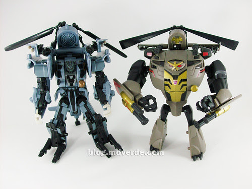 Transformers Blackout Animated Voyager Takara vs Blackout Movie - modo robot