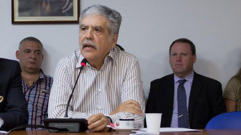Julio de Vido es señalado por el actual gobierno como uno de los principales responsables de la crisis energética.