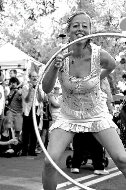 Hoopin at Willy St 2012 BW