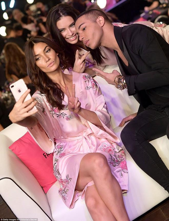 Tận tối mới diễn, nhưng giờ các thiên thần Victorias Secret đã bắt đầu trang điểm, làm tóc - Ảnh 15.