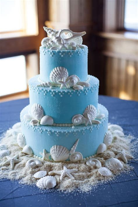 25  best ideas about Seashell wedding cakes on Pinterest