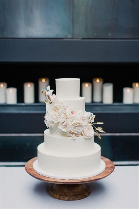 Best 25  Modern wedding cakes ideas on Pinterest   Marble