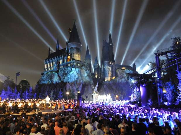 'The Wizarding World of Harry Potter' reúne atrações para os fãs da série do pequeno bruxo Foto: Getty Images
