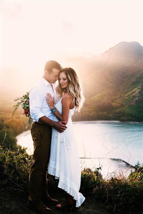 This Couple's Koolauloa, Hawaii Anniversary Shoot is Like