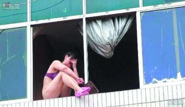 Mulher seminua é vista ameaçando saltar do 10º andar de prédio