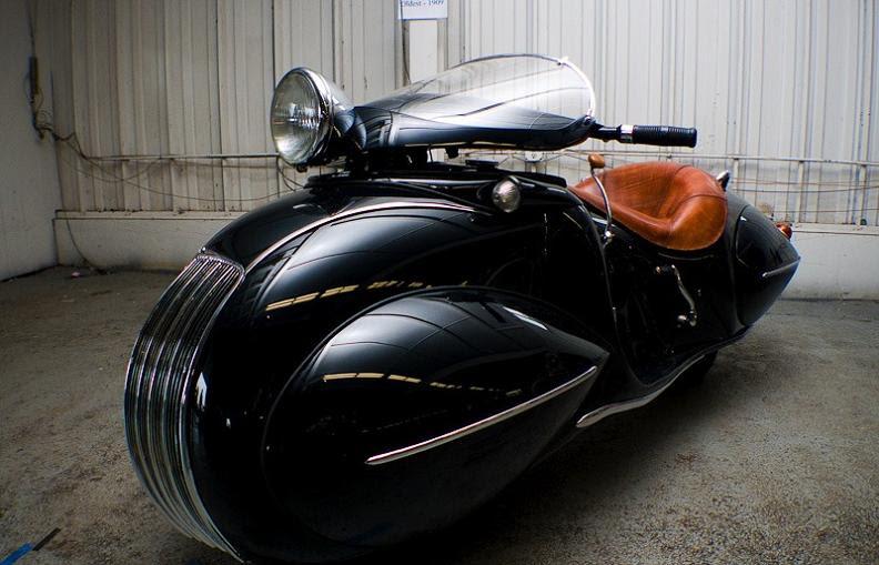 crazy-retro-art-deco-bike