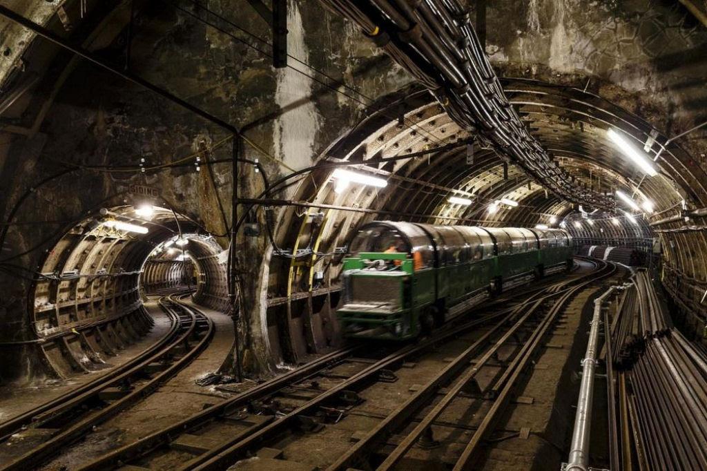 O correio ferroviário subterrâneo de Londres 01