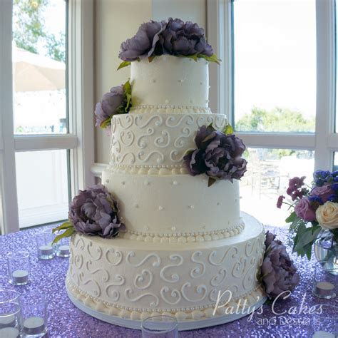 Photo of a classic 4 tier wedding cake   Patty's Cakes and