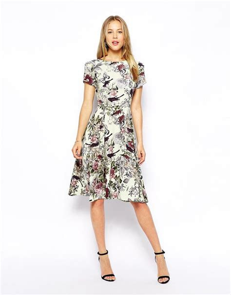 Love this botanical floral print dress   the perfect thing