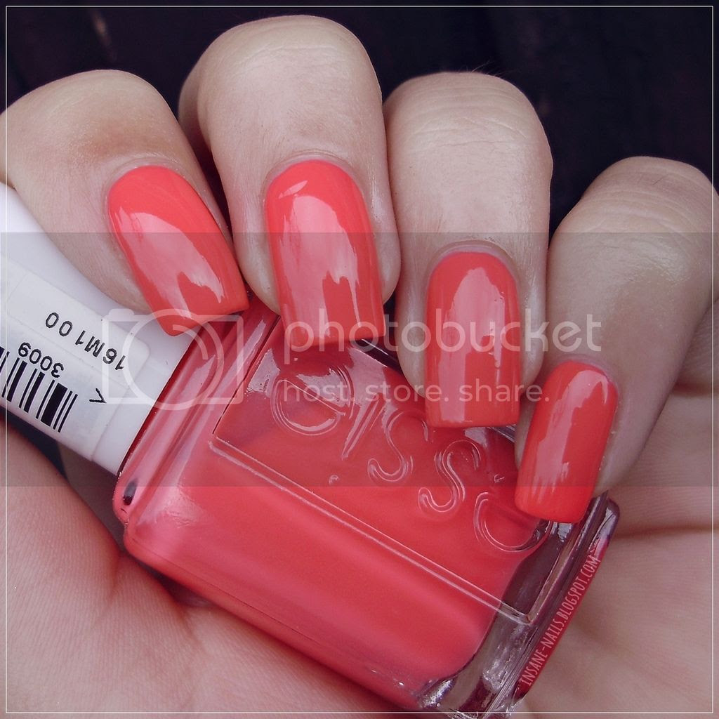 photo Essie_Cute_As_A_Button_8_zpsrfdmgbyg.jpg