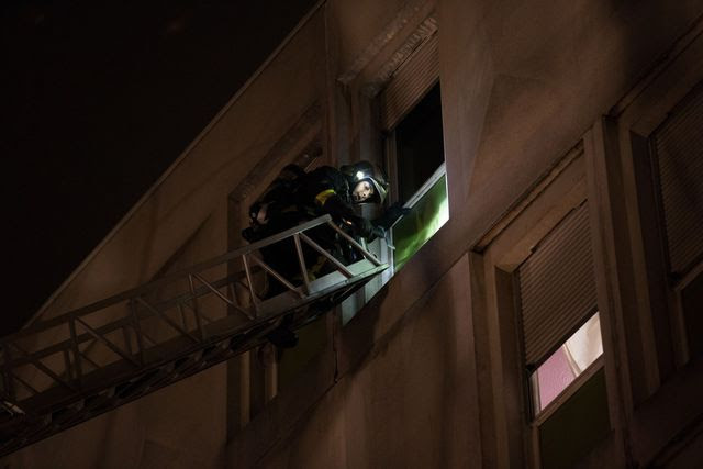 Photo: the fire occurred in the night from 15 to 16 December 2016, as a centre for migrant workers at Boulogne-Billancourt (Hauts-de-Seine).