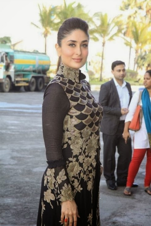 Kareena-Kapoor-Wear-Beautiful-Black-Gold-Churidar-Anarkali-Frock-Dress-by-Designer-Anamika-Khanna-6