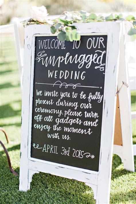 10 Reasons To Have an Unplugged Wedding