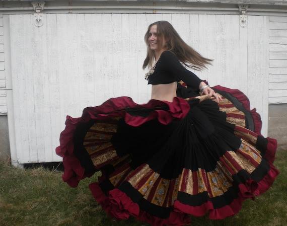 Sabrina's Bane - 17 yd, 5 Tier Circle Skirt with Vintage Fabric - OOAK