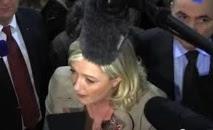 """N-Calédonie: Marine Le Pen appelle ceux qui """"rejettent l'indépendance"""" à s'unir"""