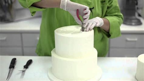 How To Disassemble And Cut A Wedding Cake   YouTube