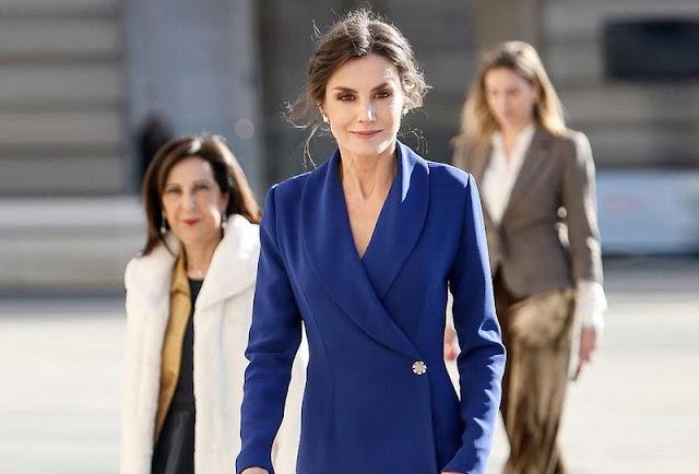 فخامة الأزرق على طريقة ملكة إسبانيا