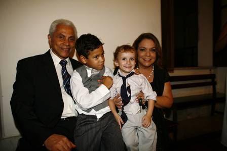 Paulinho da Viola esteve no casamento com a família
